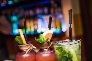 Коктейли в ресторане Fiji Lounge Bar