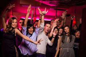 Dance-karaoke party 6 дней в неделю!