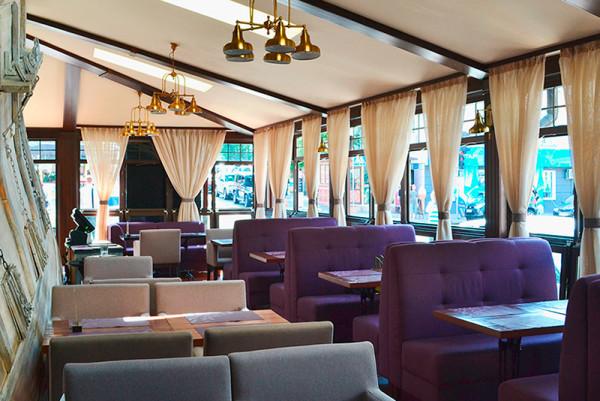 Терраса для банкетов в ресторане Fiji Lounge Bar