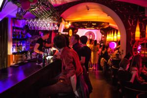 Караоке зал ресторана Fiji Lounge Bar